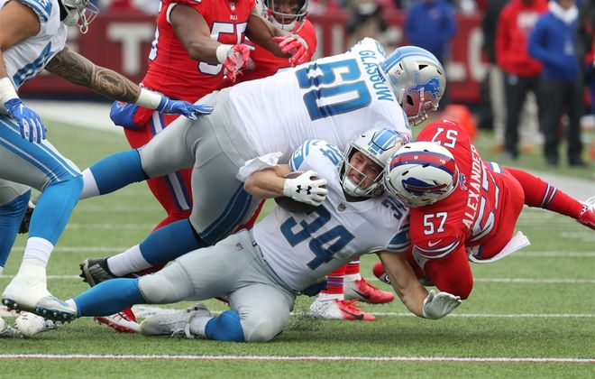 Bills linebacker Lorenzo Alexander stepped in for the injured Matt Milano on Sunday against the Detroit Lions. (James P. McCoy/Buffalo News)