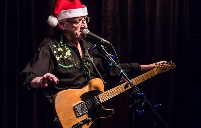 Bill Kirchen played a Honky Tonk Holiday show in Sportsmen's on Sunday.