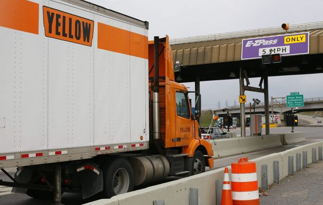 Drivers can anticipate slowdowns on the I-90 between the Lackawanna tolls and Route 400. (Derek Gee/Buffalo News)