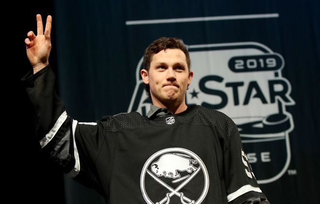 Jeff Skinner of the Sabres waves to the crowd during the 2019 NHL All-Star Media Day on Jan. 24, 2019, in San Jose. (Getty Images)