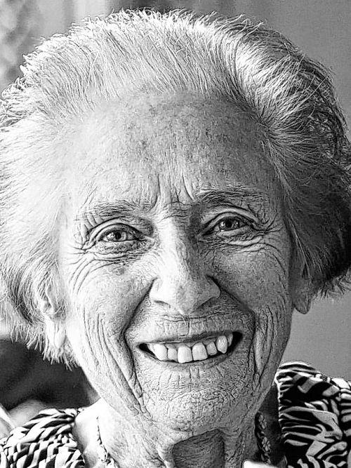 HURLBUT, Betty Mary (Daly)