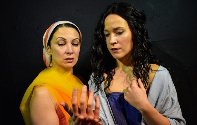 "Diane DiBernardo, left, plays Echo and Anna Krempholtz is Medusa in ""Medusa Undone,"" from Post-Industrial Productions. (Photo courtesy Tim Coseglia)"