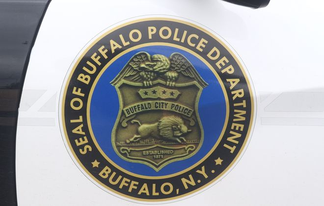North Buffalo woman charged with felony marijuana possession at border