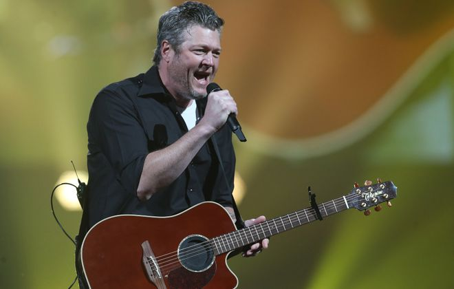 Blake Shelton and friends played more than three hours of music on Friday night in KeyBank Center. (Sharon Cantillon/Buffalo News)