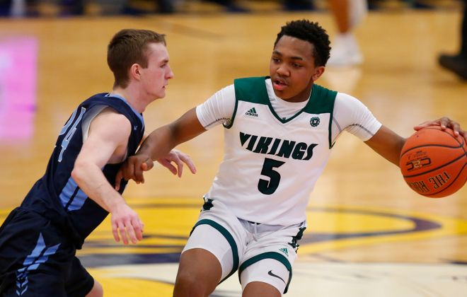 Jaylen Hearon and the Nichols Vikings are tied for No. 3 in this week's small schools poll. (Harry Scull Jr./Buffalo News)