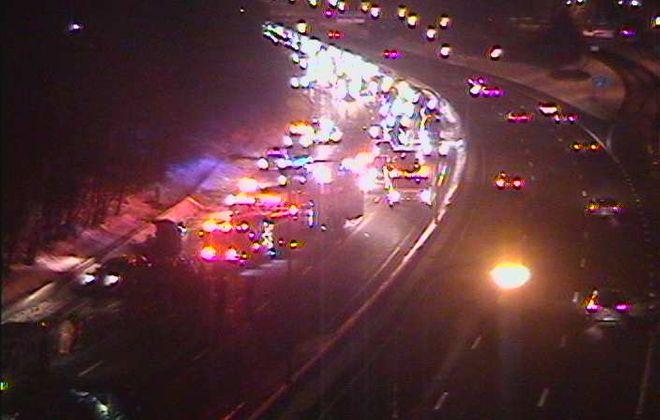 Crash closes Route 33 westbound