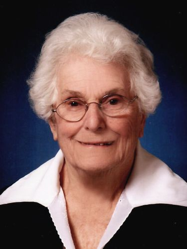 Anne M. Lufkin, 94, longtime coach of girls' sports at Kensington High School