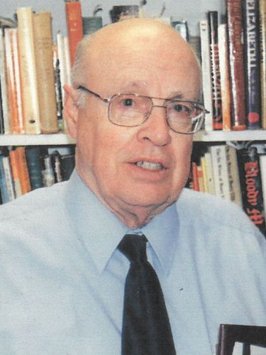 Melvin J. Tucker, 87, UB professor emeritus who specialized in English Tudor history