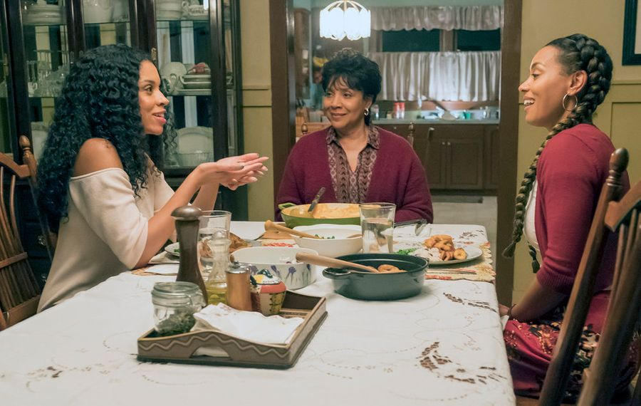 """From left to right, Susan Kelechi Watson as Beth, Phylicia Rashad as Carol, Melanie Liburd as Zoe in """"This Is Us."""" (Ron Batzdorff/NBC)"""