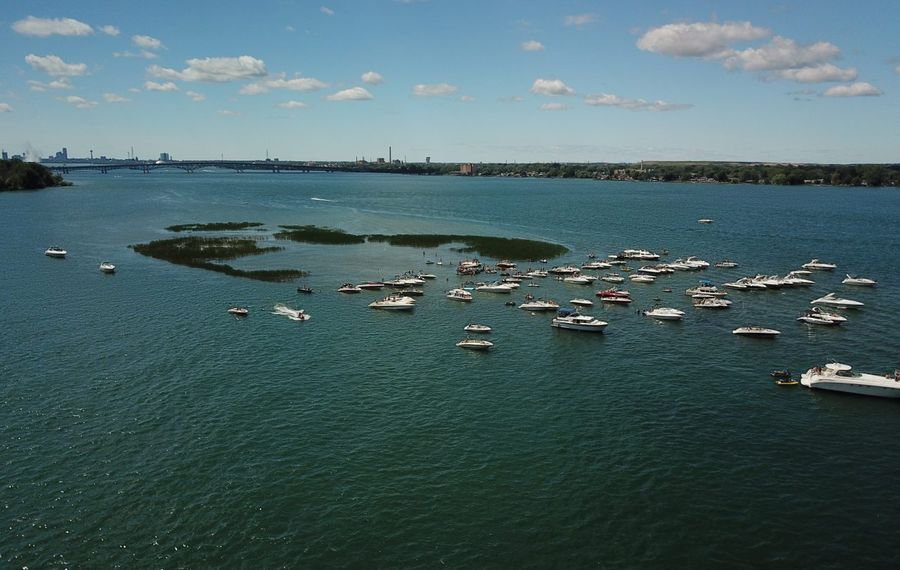 Boaters off Grass Island in the Niagara River. (John Hickey/News file photo)