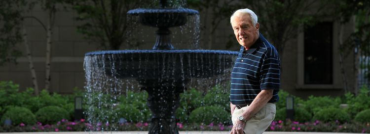 Marv Levy in the back of his Chicago condominium. (Harry Scull Jr./Buffalo News)