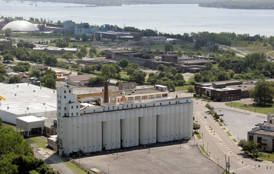 The massive, empy former Nabisco plant in  Niagara Falls. (Harry Scull Jr./Buffalo News file photo)