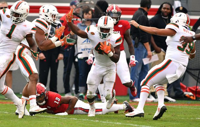 Jaquan Johnson of the Miami Hurricanes celebrates following a fumble recovery (Getty Images)
