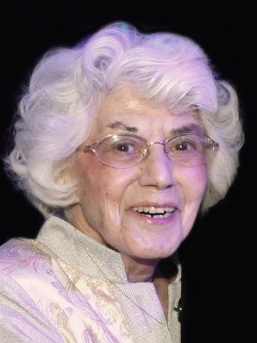 Mary C. Salvatore, 90, member of a prominent family of restaurateurs