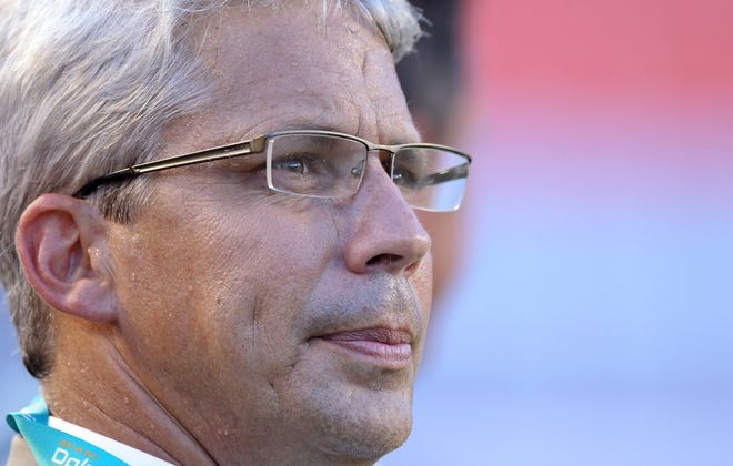 Dennis Hickey, seen here during his time as the Miami Dolphins' general manager, was promoted to senior national scout for the Buffalo Bills. (Getty Images)