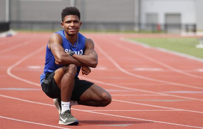 UB runner Leon Atkins has qualified for the 800 meters at the NCAA Championships in Austin, Texas. (Sharon Cantillon/Buffalo News)