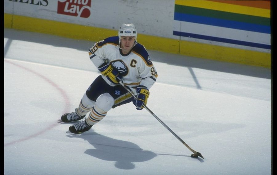 Alexander Mogilny defected from the Soviet Union to join the Sabres in 1989. (Rick Stewart/Allsport via Getty Images)