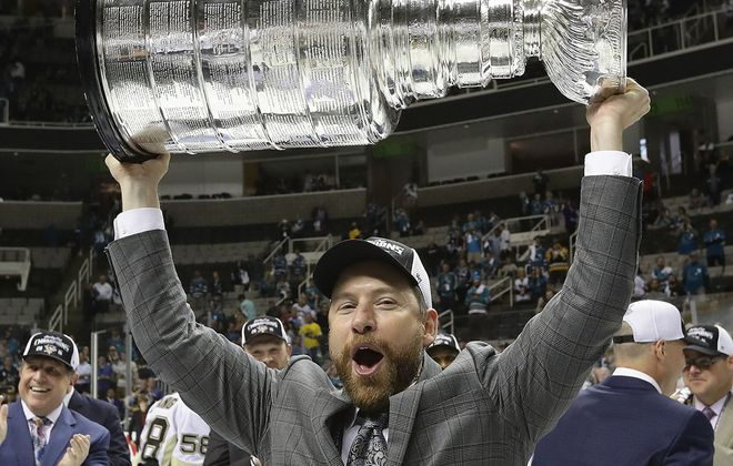 Mike Bales hoists the Stanley Cup in 2016 while with the Pittsburgh Penguins. (Getty Images)