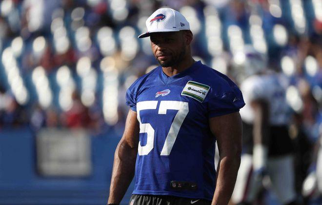 Buffalo Bills outside linebacker Lorenzo Alexander. (James P. McCoy/News file photo)