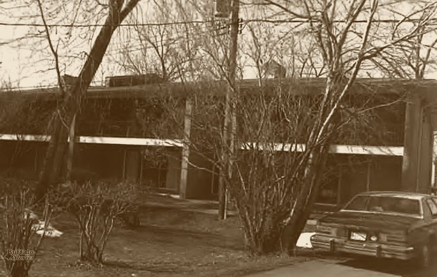"""One of the three buildings of """"The Jewett Gardens,"""" a midcentury apartment complex that cut across the middle of the Darwin Martin Complex between the early '60s and early 2000s."""