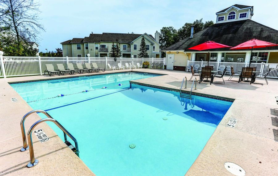 Community amenities are plenty, starting with a heated saltwater swimming pool (with a life guard),  a kids activity zone and a special playground for toddlers.