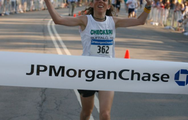 Amy Fakterowitz of Williamsville won the JP Morgan Chase Corporate  Challenge in 2007 (John Hickey, Buffalo News file photo)