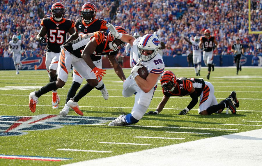 Bills tight end Dawson Knox picked up 49 yards on this reception in the fourth quarter Sunday against the Bengals. (Derek Gee/Buffalo News)