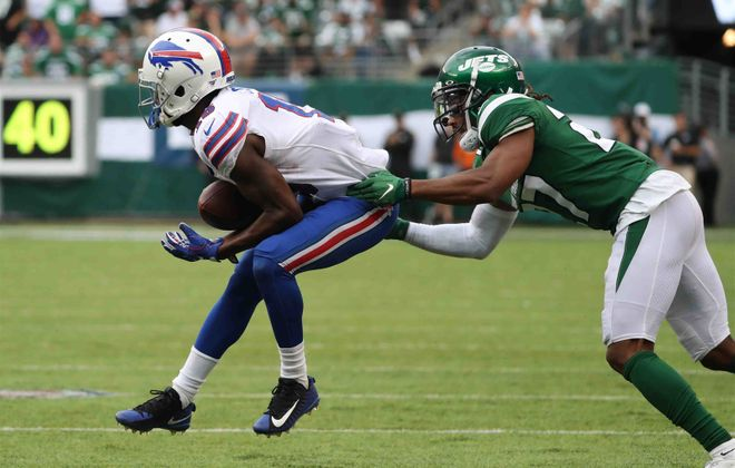 Bills receiver John Brown beats New York Jets cornerback Darryl Roberts for the go-ahead touchdown pass in the fourth quarter. (James P. McCoy/Buffalo News)