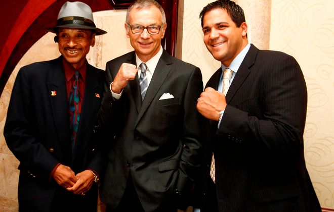 Jack Green turned the Ring 44 Hall of Fame induction dinner into a signature event during his time as Buffalo Veterans Boxers Association president. Green, left, poses fellow Hall of Fame members Allen Kemp and Joe Mesi. (John Hickey/ News file photo)