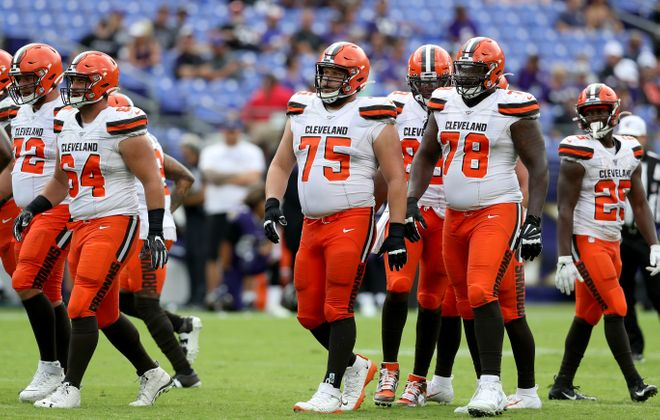 Browns center J.C. Tretter took all 69 offensive snaps for Cleveland in a Week 6 loss to Seattle. (Getty Images)