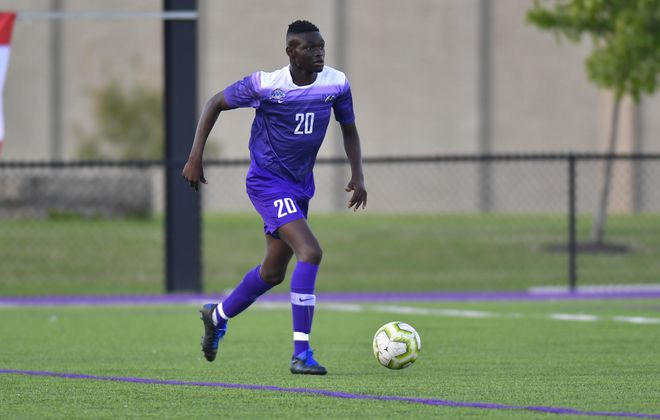 Yousif Kowa has dealt with the death of his father during his freshman year at Niagara. His teammates, family and university have rallied behind him. (via Niagara Athletics)