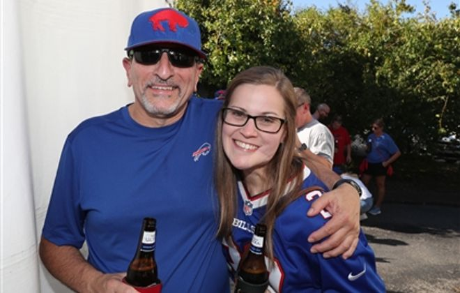 Bills fans show up in force in Nashville