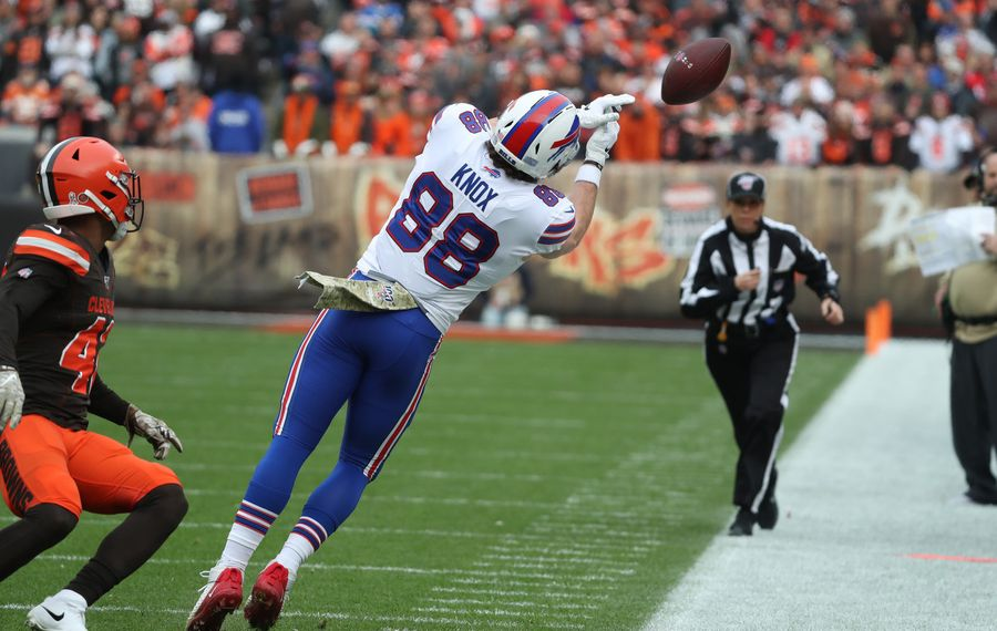 Bills tight end Dawson Knox drops a pass against Cleveland as a rookie in 2019. (James P. McCoy/Buffalo News)