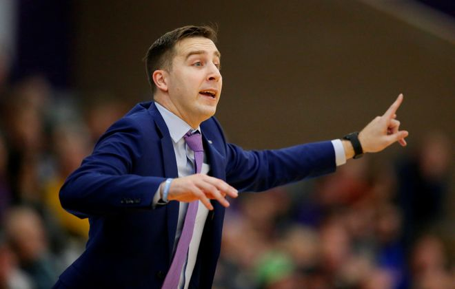 Niagara coach Greg Paulus gestures against Bryant during the the second half at the Gallagher Center on Monday, Nov. 18, 2019.  (Harry Scull Jr./Buffalo News)