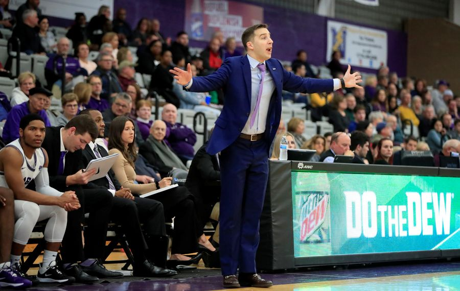 Niagara Men S Basketball Coach Greg Paulus Returns Home For