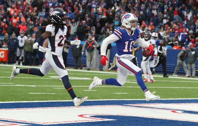 Buffalo Bills wide receiver Cole Beasley (10) catches a touchdown pass against Denver Broncos inside linebacker Todd Davis (51) in the third quarter at New Era Field in Orchard Park on Nov. 24, 2019.  (James P. McCoy/Buffalo News)