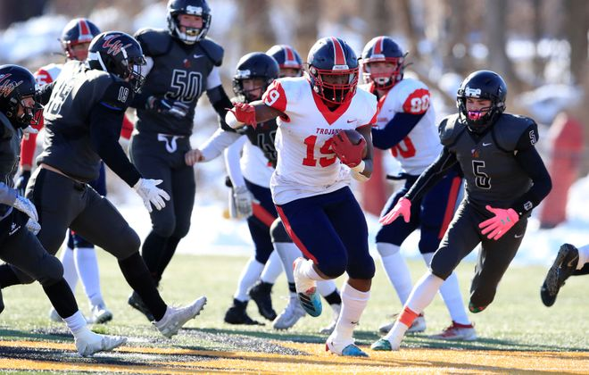 Southwestern running back Tywon Wright.  (Harry Scull Jr./News file photo)
