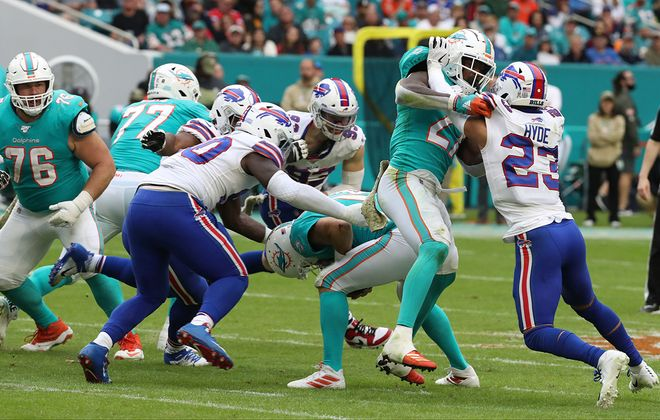 The Buffalo Bills' defense recorded a season-high seven sacks Sunday against old friend Ryan Fitzpatrick. (James P. McCoy/Buffalo News)