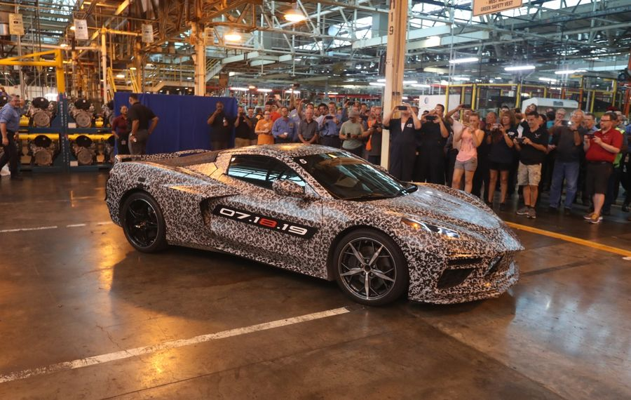 Wards Auto saluted GM Tonawanda's engine for the new Corvette. (John Hickey/News file photo)