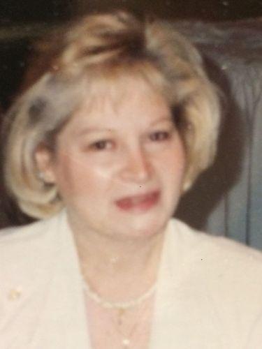 Elizabeth M. Hodge, 77, clothing store saleswoman