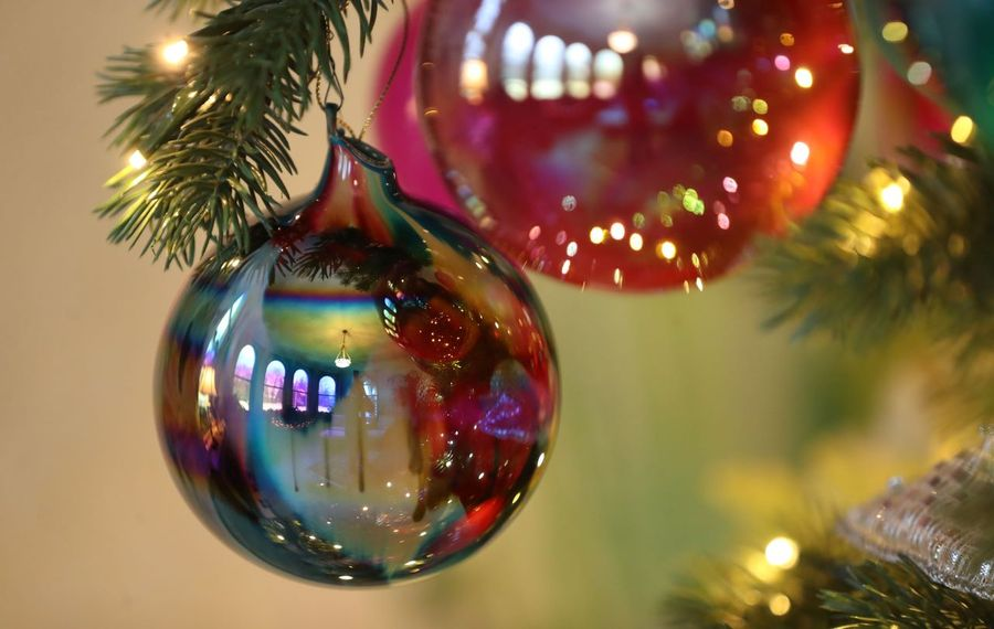 It's holiday home tour time. (Sharon Cantillon/News file photo)