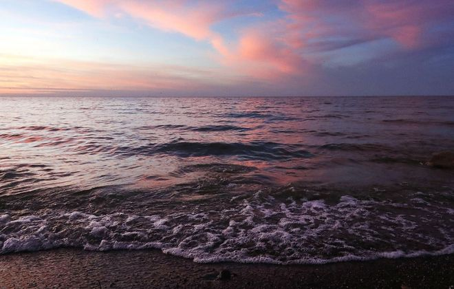 Lake Ontario at dusk Dec. 6, 2019. (Sharon Cantillon/News file photo)