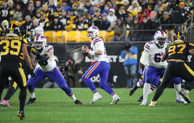 Bills quarterback Josh Allen looks for a pass during the second half at Heinz Field in Pittsburgh. (James P. McCoy/Buffalo News)