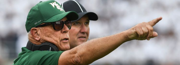 Jimmye Laycock during his tenure as head coach of William & Mary in 2018. (Michael Shroyer/Getty Images file photo)