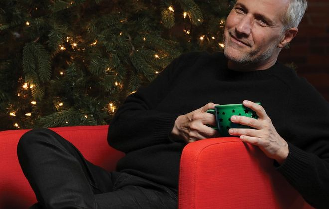 Jim Brickman returns to the Riviera Theatre for his annual holiday concert.