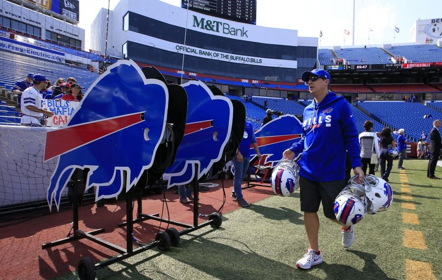 M&T Bank has sponsorship deals with the Bills – and the Ravens. (Harry Scull Jr./News file photo)