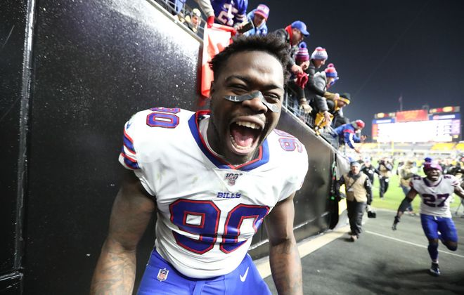 Shaq Lawson heads into free agency coming off a career season for the Bills. (James P. McCoy/Buffalo News)