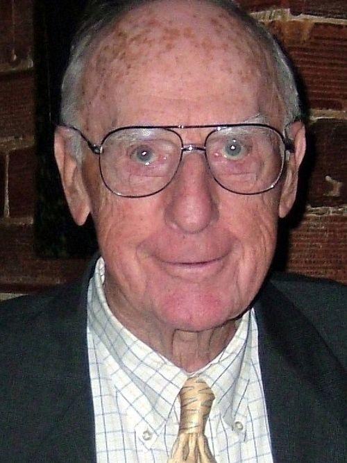 Peter J. Murrett Jr., 98, Buffalo attorney, World War II veteran
