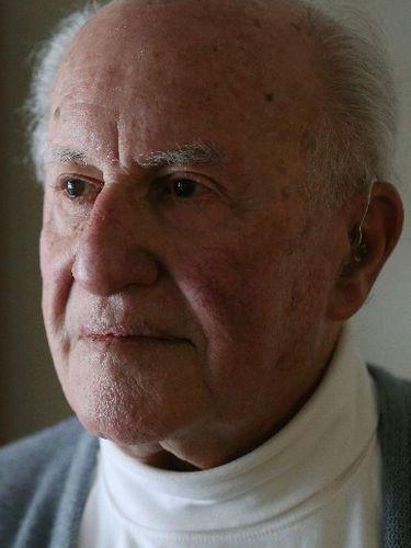Hans G. Reif, 94, economist, teacher, decorated World War II veteran