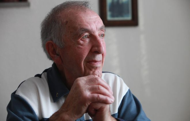 Michael Carestio was a bombardier on a B-24 in WWII. He was photogrphed at his home in the Town of Tonawanda on Thursday, Jan.6, 2010. (Sharon Cantillon/Buffalo News)